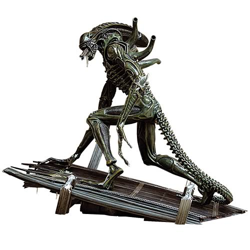 Aliens Warrior Statue