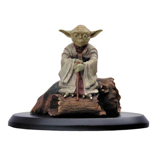 Star Wars Empire Strikes Back Yoda in Dagobah Statue