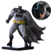Batman: Arkham Knight Batman Dark Knight 1:10 Scale Statue