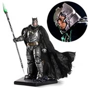 Batman v Superman Battle-Damaged Armored Batman 1:10 Statue