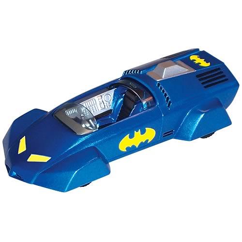 Batman 1990s Die-Cast 1:43 Scale Batmobile  2
