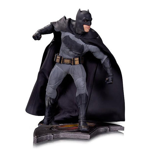 The Dark Knight Arrives in 1:6 Scale