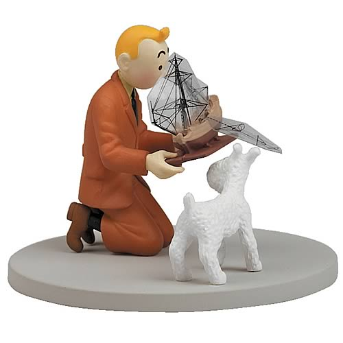 Adventures of Tintin Holding The Unicorn Box Cover Statue