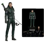 Arrow TV Series Green Arrow 1:8 Scale Deluxe Version Figure