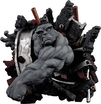 Incredible Hulk Wall Statue