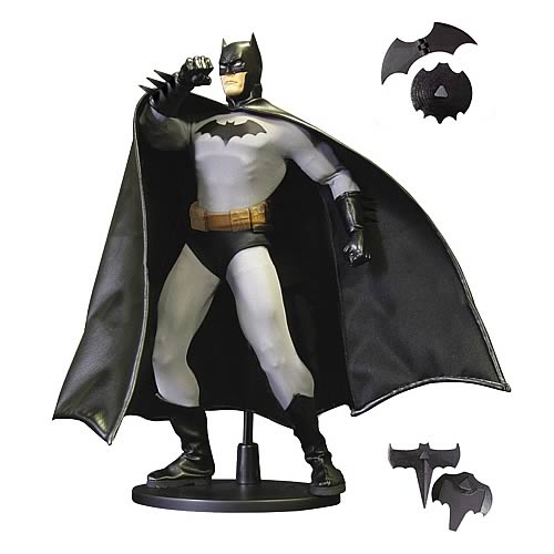 Batman 13-Inch Deluxe Collector Figure