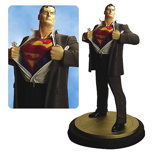Superman Forever #1 Statue