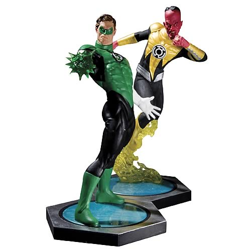 Green Lantern vs. Sinestro Ultimate Showdown Statue Set