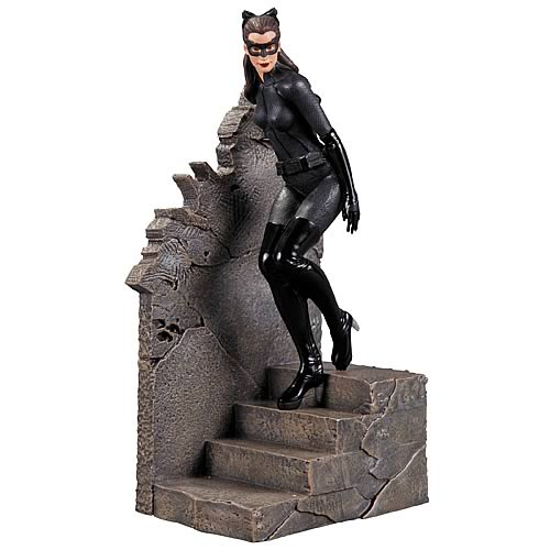 Batman Dark Knight Rises Catwoman 1:12 Scale Statue