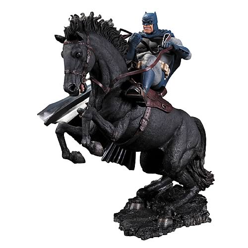 Batman Dark Knight Returns Call To Arms Statue