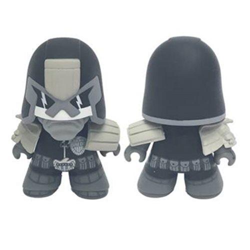2000 AD Judge Dredd Black White Ver. Titans Figure - PX