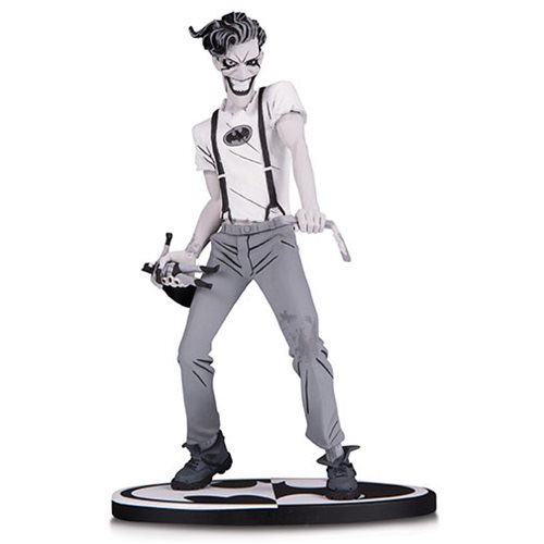 Batman_Black_and_White_The_White_Knight_Joker_by_Sean_Murphy_Statue