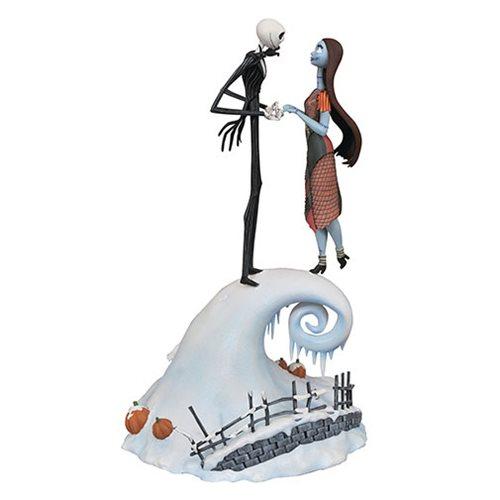 Nightmare_Before_Christmas_Milestones_Jack_and_Sally_Statue