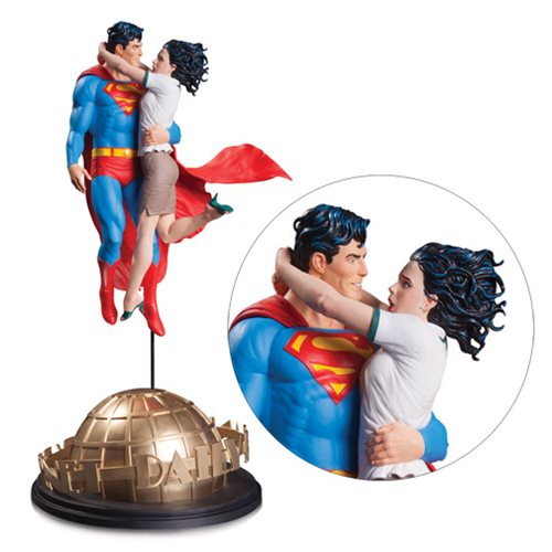 DC Designer Series Superman & Lois Lane by Gary Frank Statue