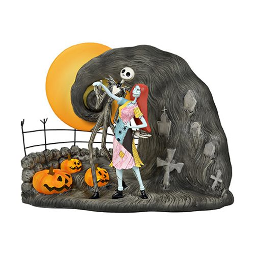 Nightmare Before Christmas Jack and Sally Graveyard Statue