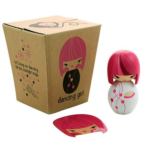 Momiji Vintage Dancing Girl Pink Message Doll