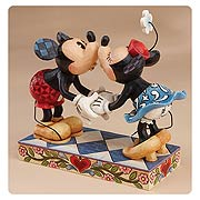 Disney Traditions Mickey and Minnie Mouse Smooch Statue