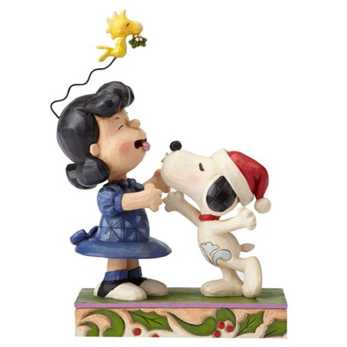 Peanuts_Jim_Shore_Snoopy_Kissing_Lucy_Mistletoe_Statue