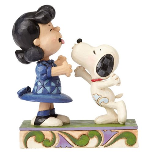 Peanuts_Jim_Shore_Snoopy_Kissing_Lucy_Statue