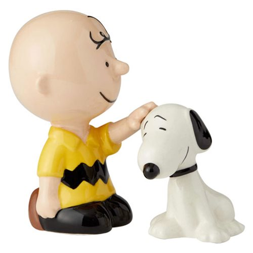 Peanuts_Charlie_Brown_Pets_Snoopy_Salt_and_Pepper_Shaker_Set