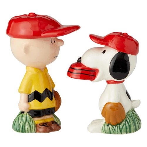 Peanuts_Charlie_Brown_and_Snoopy_Baseball_Salt_and_Pepper_Shaker_Set