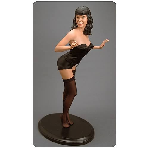 Bettie Page 1:4 Scale Statue