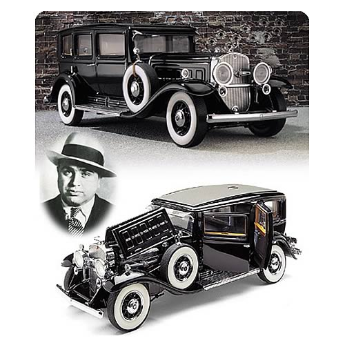 Al Capone 1930 Armored Cadillac Die-Cast Vehicle
