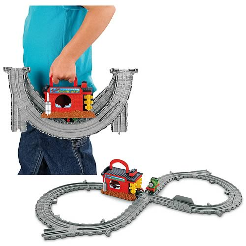 Thomas and Friends Take and Play  Engine Wash Playset