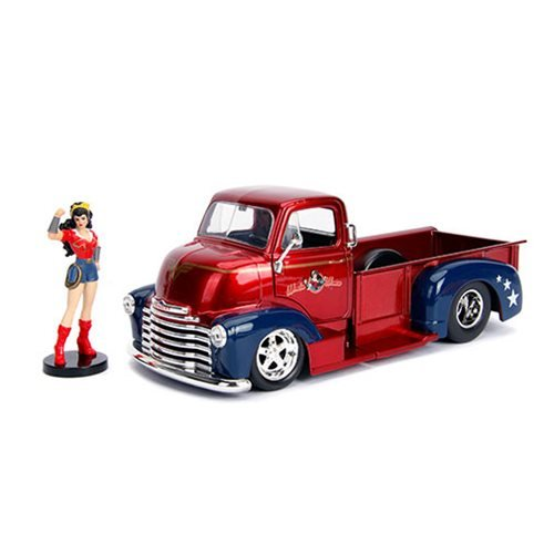 DC_Bombshells_Wonder_Woman_1952_Chevy_COE_124_Scale_DieCast_Metal_Vehicle