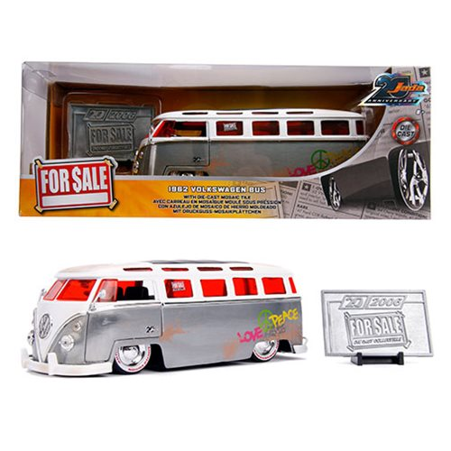Jada_20th_Anniversary_Wave_3_For_Sale_1962_Volkswagen_Bus_124_Scale_DieCast_Metal_Vehicle