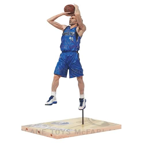 NBA Series 21 Dirk Nowitzki 3 Action Figure