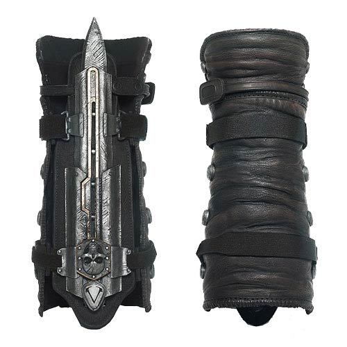 Assassin's Creed IV Black Flag Hidden Blade and Gauntlet