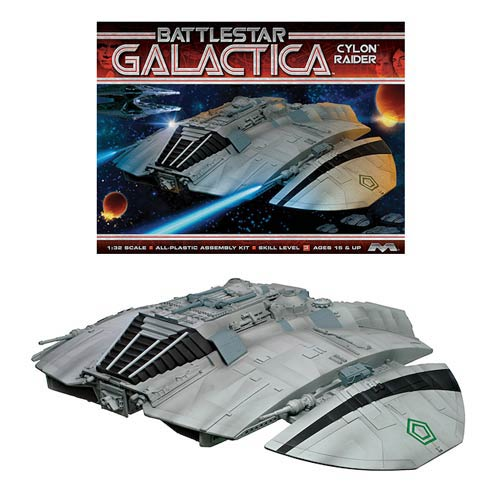 Battlestar Galactica Original Cylon Raider 1:32 Model Kit