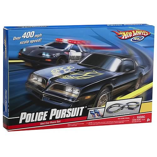 Hot Wheels Police Pursuit Remote Control Vehicle Set
