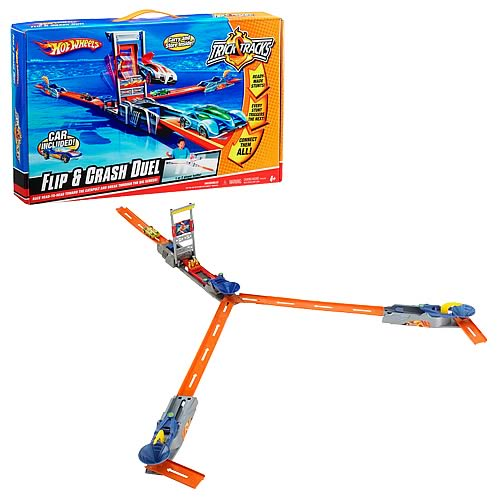 Hot Wheels Trick Tracks Flip and Crash Duel Playset