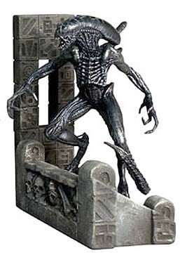 Alien vs. Predator: Grid Statue