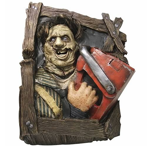 Texas Chainsaw Massacre Leatherface Wallbreaker Sculpture