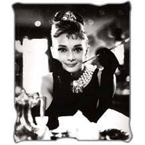 Breakfast at Tiffany's Cafe Throw Blanket