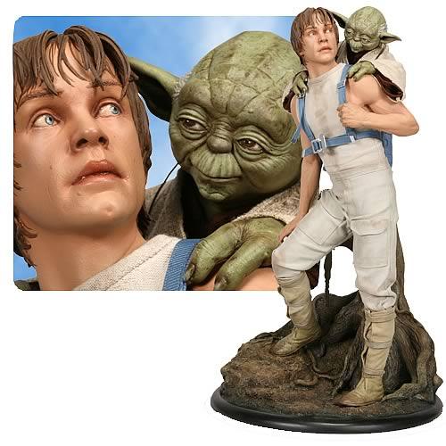 Star Wars Luke Skywalker and Yoda 1:4 Scale Statue