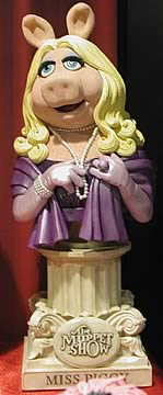 Miss Piggy Mini-Bust