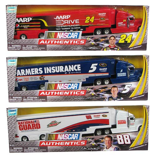 NASCAR Authentics 1:64 Scale Collector Hauler Truck Case