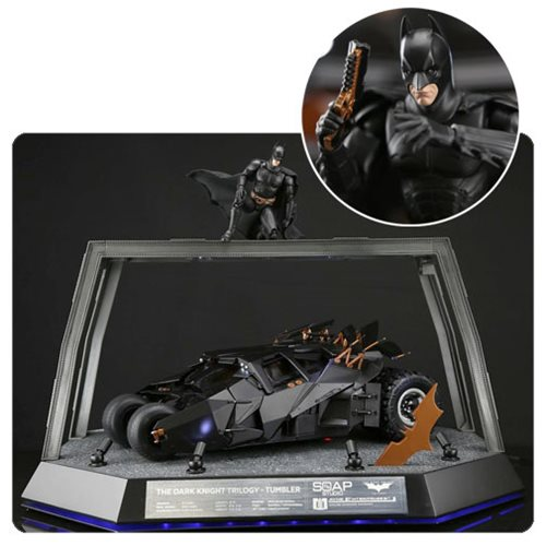 The Dark Knight Trilogy Tumbler 1:12 Scale Remote Control Vehicle Replica Deluxe Pack