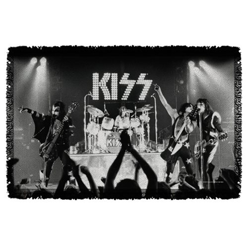 Kiss Staged Woven Tapestry Throw Blanket