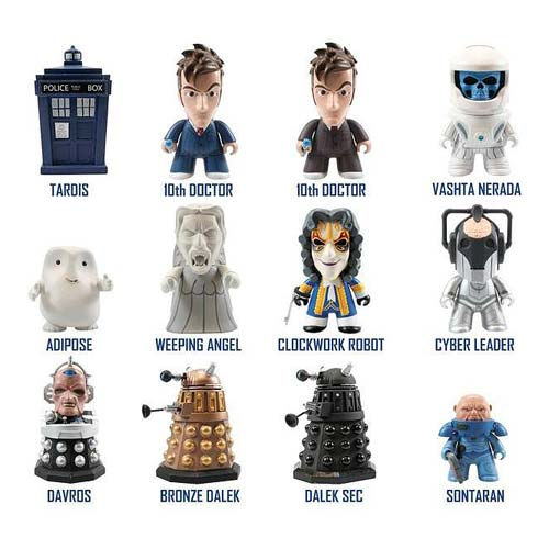 Doctor Who Titans 10th Doctor Vinyl Figure Display Box