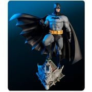 DC Super Powers Batman Gray & Black Variant Maquette Statue