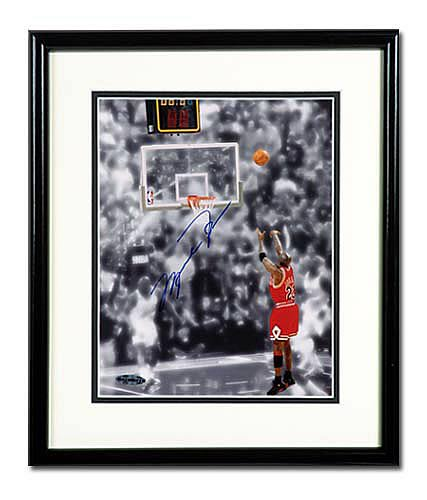 Michael Jordan Signed Bulls Final Shot Photo