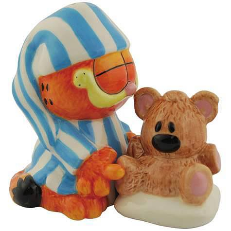 Garfield and Pooky Salt and Pepper Shaker Set