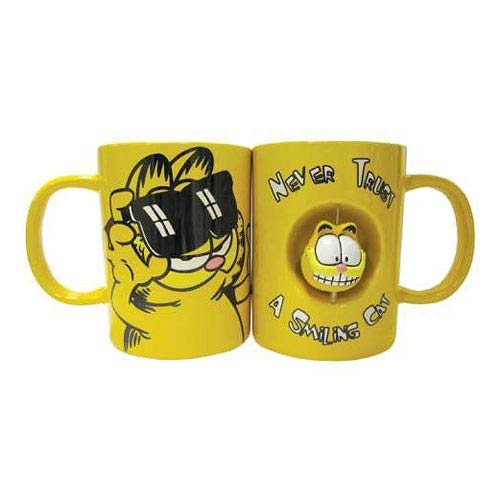 Garfield Never Trust a Smiling Cat 12 oz. Spinner Mug