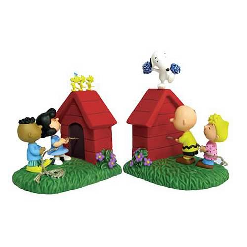 Peanuts Tug of War Bookends