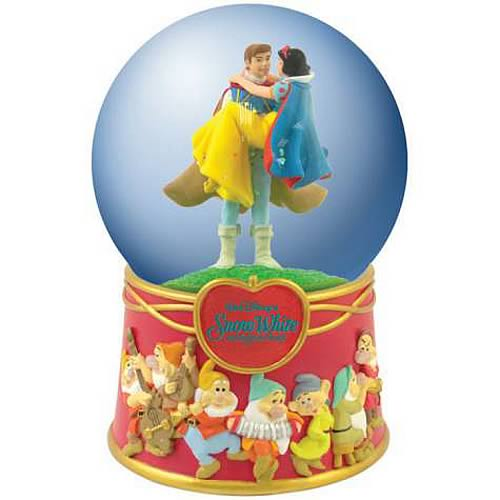 Snow White and the Seven Dwarfs Celebration Water Globe